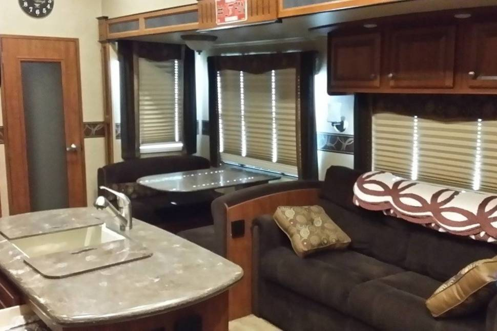 2014 JAYCO EAGLE PREMIER - An RV above the rest!