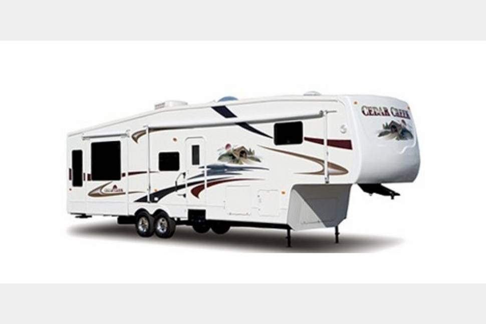 2005 Forest River Cedar Creek - Everything You will Need for an Amazing Getaway Weekend!