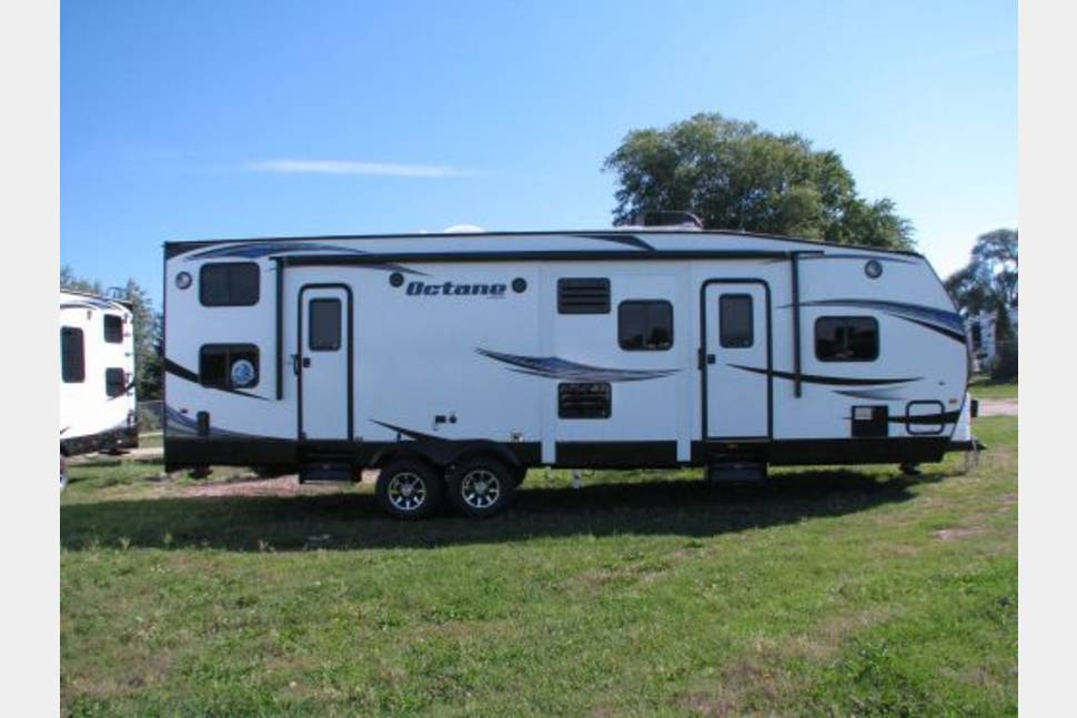2015 Jaycco T32C Octane - Toy Hauler by day bunk beds by night. 2015 Jaycco T32C Octane 35' travel trailer / toy hauler PRICE LOWERED