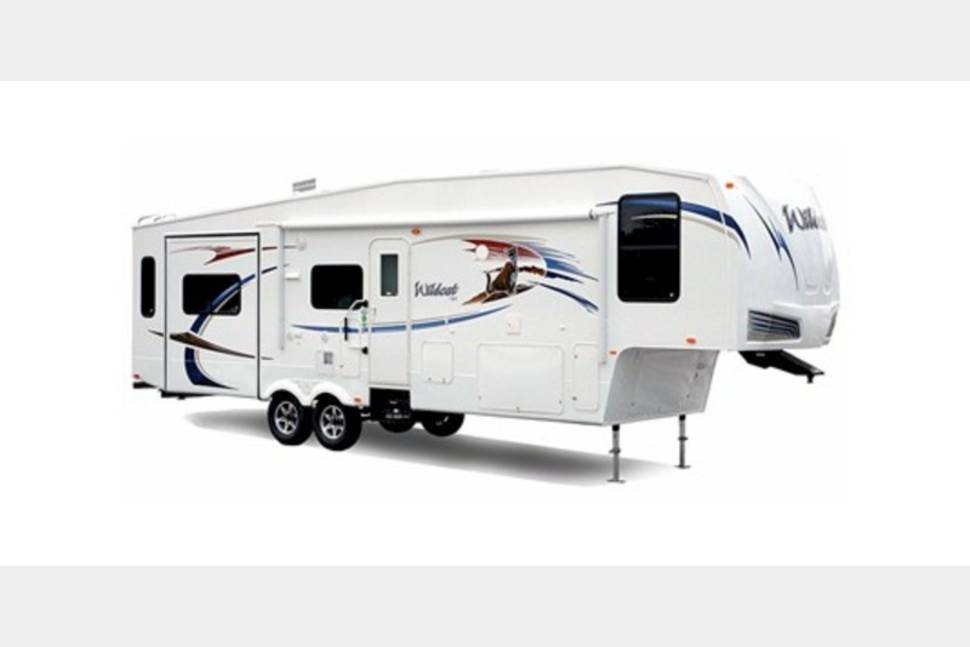 2016 Wild Cat 38 - My RV is Perfect for Your Next Getaway!