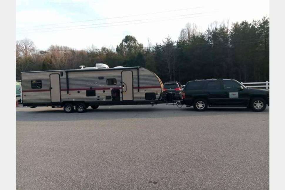 2018 Gray Wolf 27RR - TOY HAULER FAMILY GET AWAY
