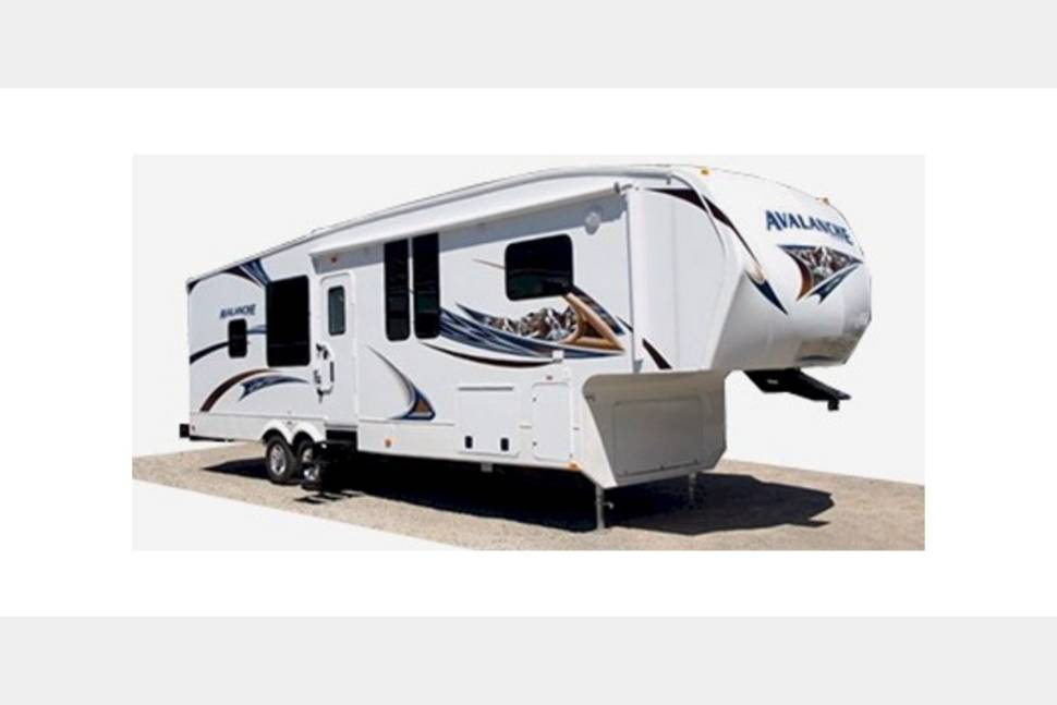 2010 Keystone Raptor - Everything You will Need for an Amazing Getaway Weekend!