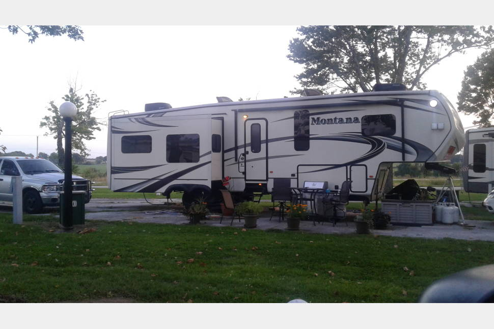 2014 Keystone Montana - 2014 Keystone Montana luxury Fifth Wheel