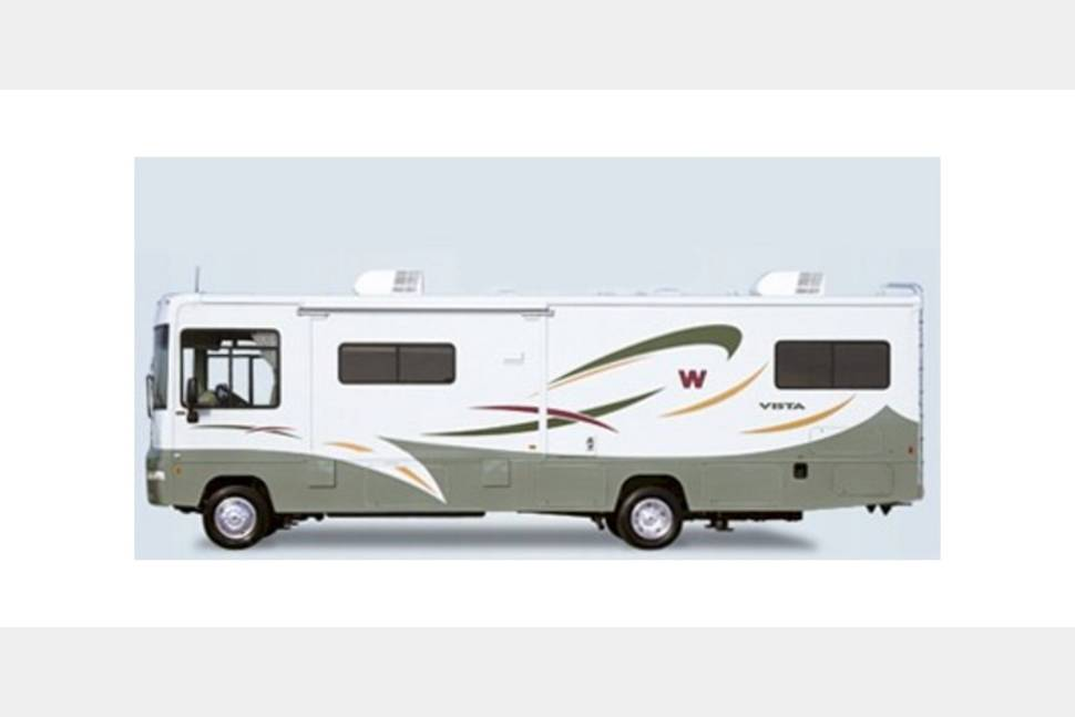 2005 Winnebago Journey 39F - The perfect vacation machine for you and your family