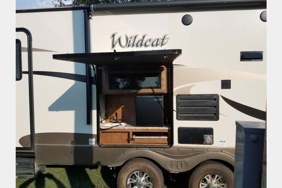 2018 Wildcat 282KBD - The Bombshell