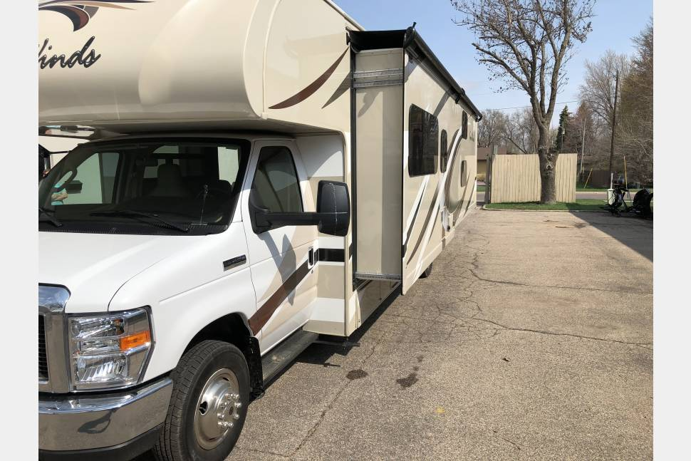 2017 Thor Four Winds 31e - Easy to Drive! Cleanest in town!No special license needed