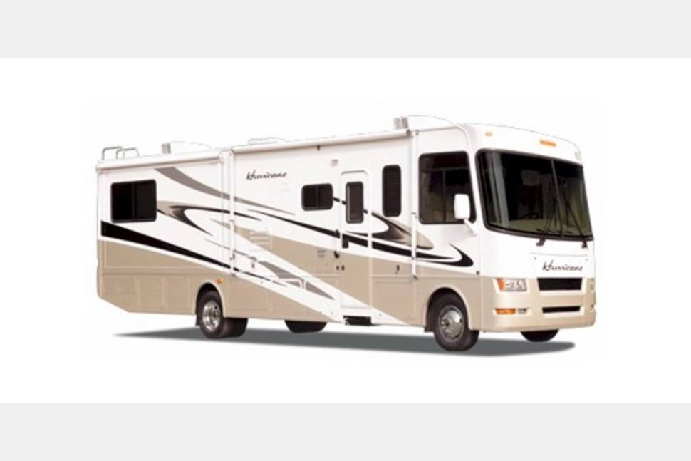 2008 Four Winds Hurricane - Take the stress out of vacation planning using my RV!