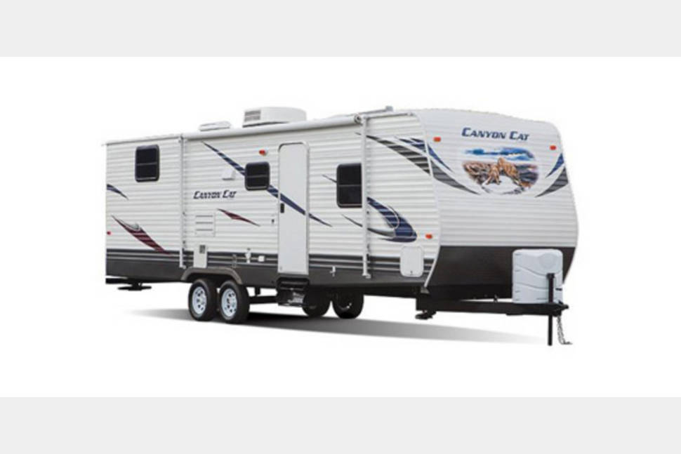 2016 PALOMINO CANYON CAT - Create unforgettable memories with my RV!