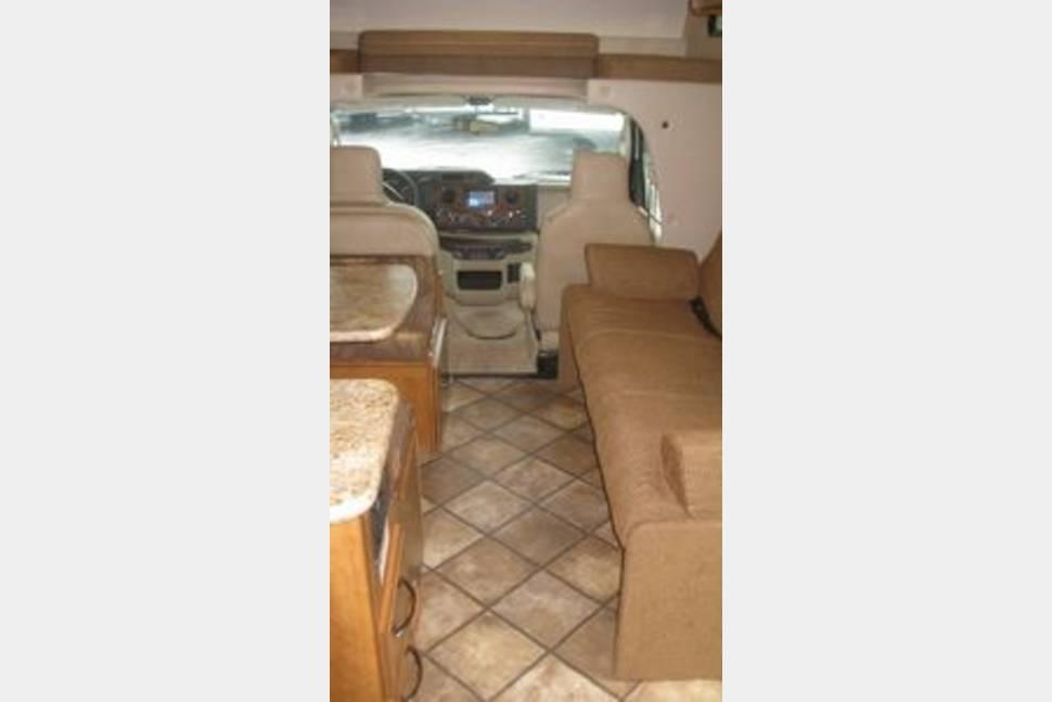 Thor Motor Coach Four Winds 26A -