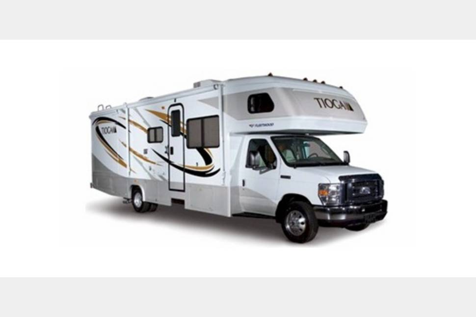 2007 Fleetwood Tioga - Travel with family and pets! This RV is easy to drive and low mileage.