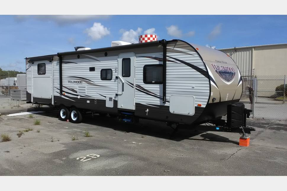 2017 Forest River Wildwood 31KQBTS - The Wild Bunkhouse