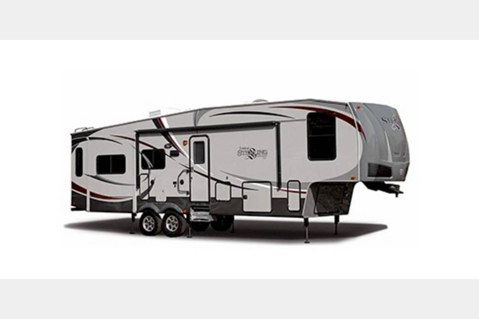 2015 Voltage 43ft - Get a taste of the good life in my RV!