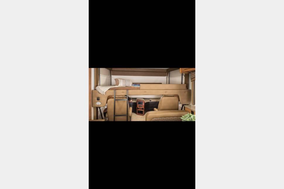 2016 Jayco Precept 29 UR - Cavallaro Luxury RV