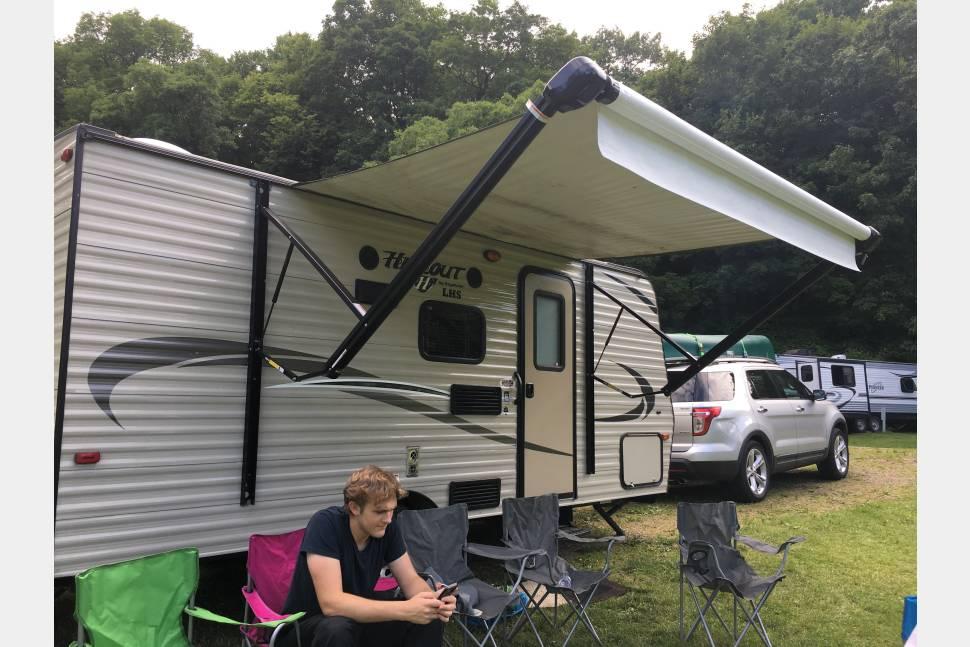 2017 Keystone Hideout 175LHS - Easy Family Travel Trailer