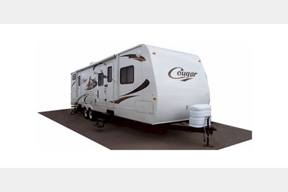 2014 Cougar 35wbs - Hop in and go wherever your heart desires in my RV!