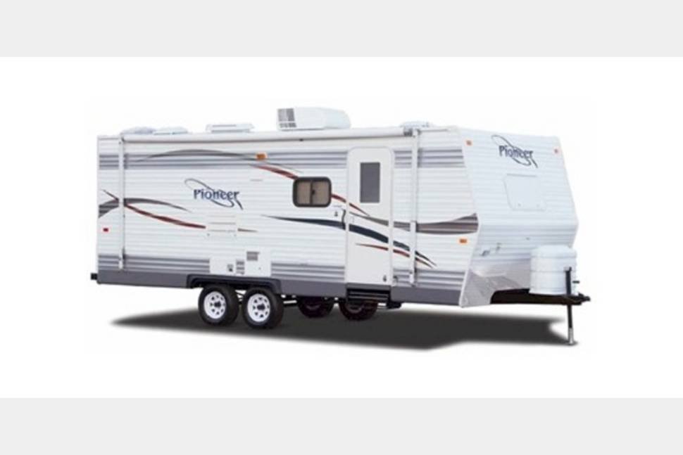 2007 Fleetwood Pioneer 24 Rks - Home away from home!