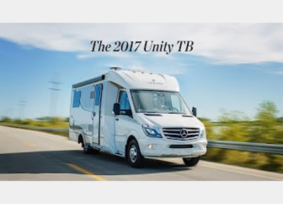 Leisure Travel Vans For Rent >> 2017 Leisure Travel Island Bed Unity Rv Rental In Palm