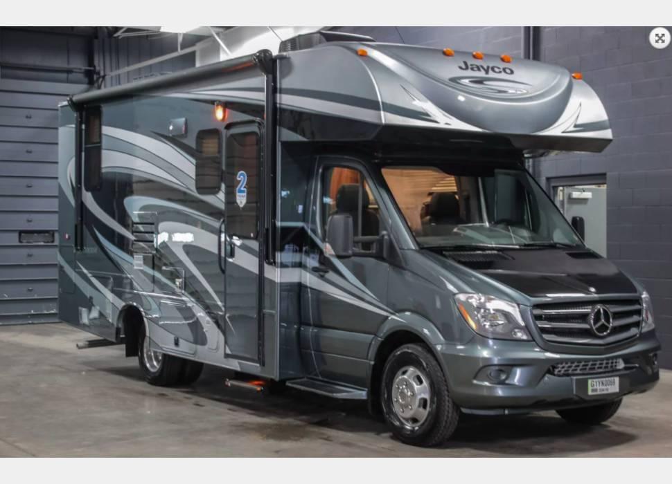 Mercedes Benz Rv >> 2017 Mercedes Benz Melbourne 24l Turbo Diesel 19 Mpg Rv 3 Rv Rental
